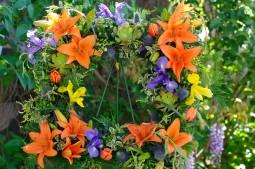 Memorial tribute frame
