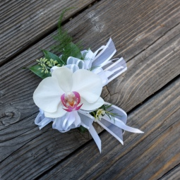 Simple phalaenopsis wrist corsage